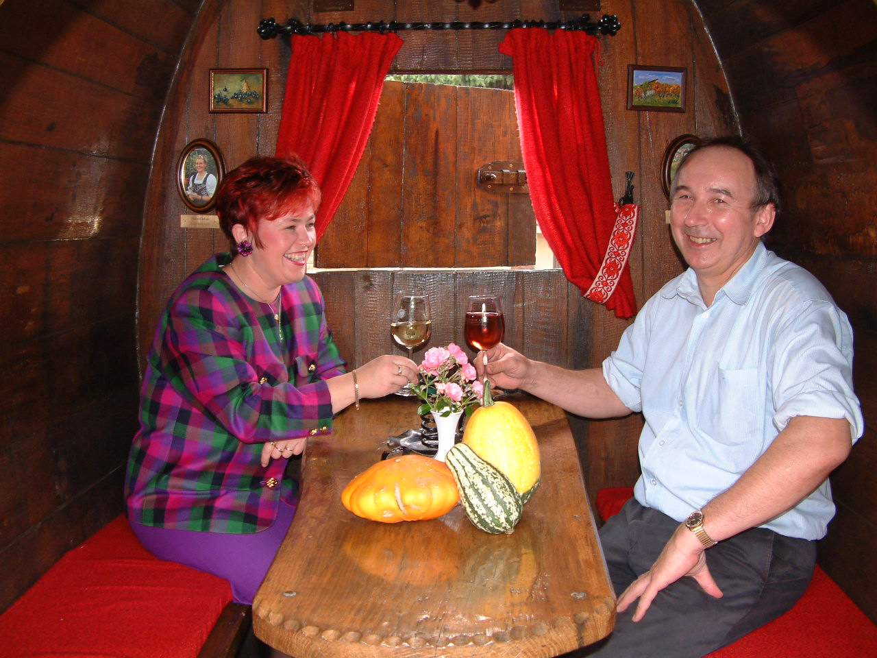 Landgasthof Taubertal Joanna und Erich im Weinfass